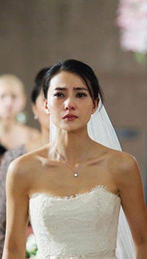 Đang háo hức chờ đợi thì chú rể thất kinh với bộ dạng rũ rượi của cô dâu ngay trước nhà hàng tiệc cưới - Hôn nhân - Gia đình