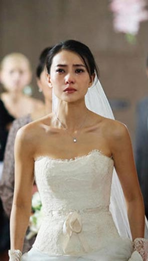 Ngày cưới của tôi xuất hiện 2 vị khách, họ không nói câu nào nhưng tôi như bị sét đánh, còn khách khứa thì bàng hoàng - Hôn nhân - Gia đình
